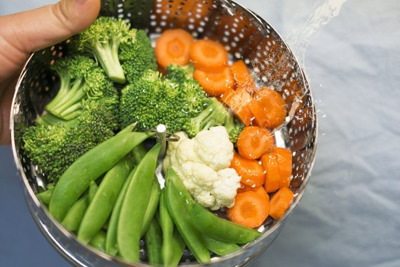 Fruits and vegetables are great foods for detox