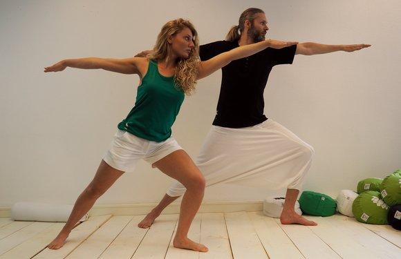 yoga clothing warrior pose
