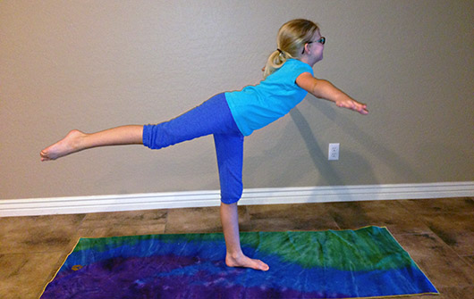 airplane yoga pose kid