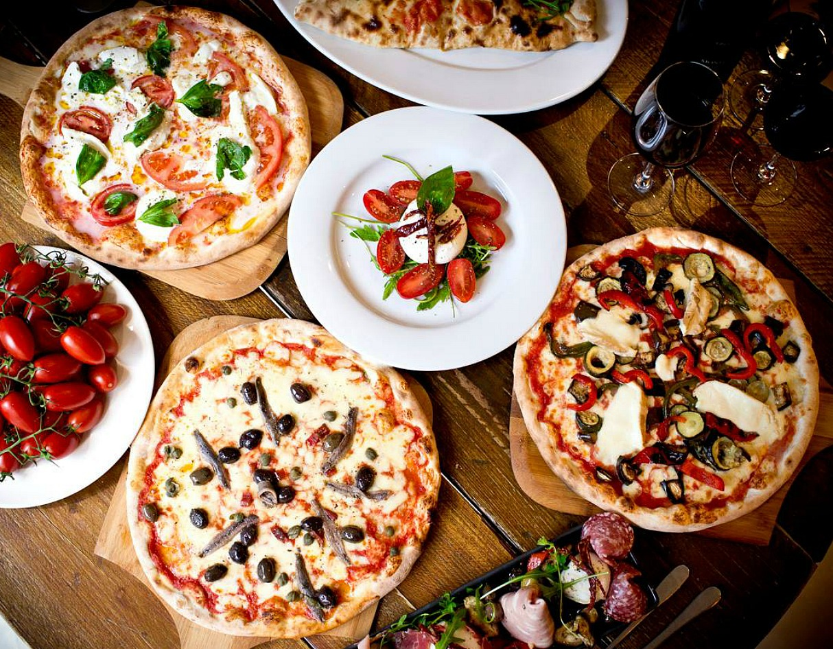 clay oven pizza at Ply restaurant
