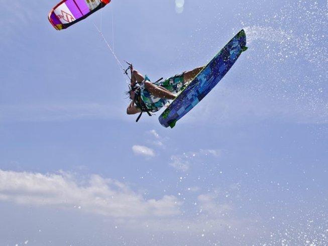 Beginner Kitesurfing in Spain