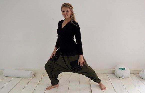 loose yoga clothes