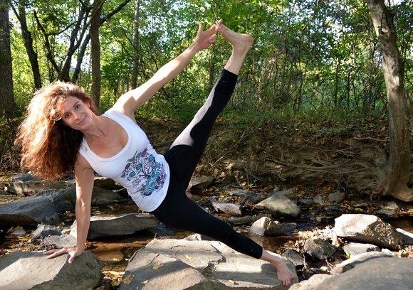 Yoga Teacher Training For Beginners How To Decide If It S For You Bookyogateachertraining Com
